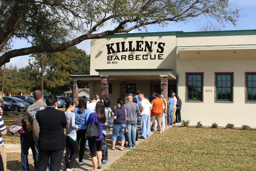 Weekend line at Killen's Barbecue