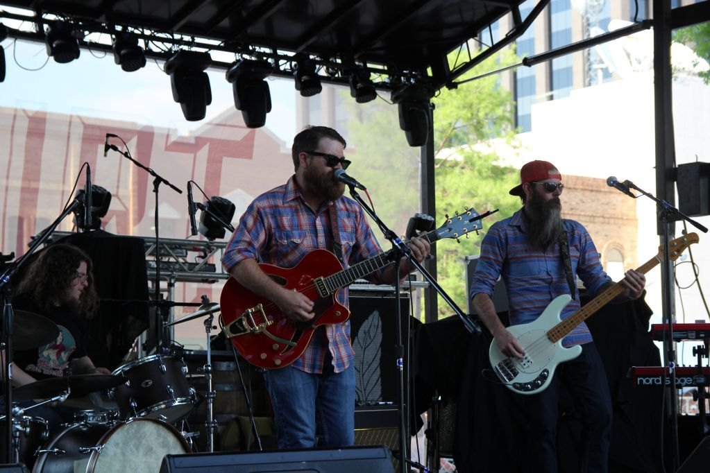 The Bigsbys performing at Red Dirt 2015